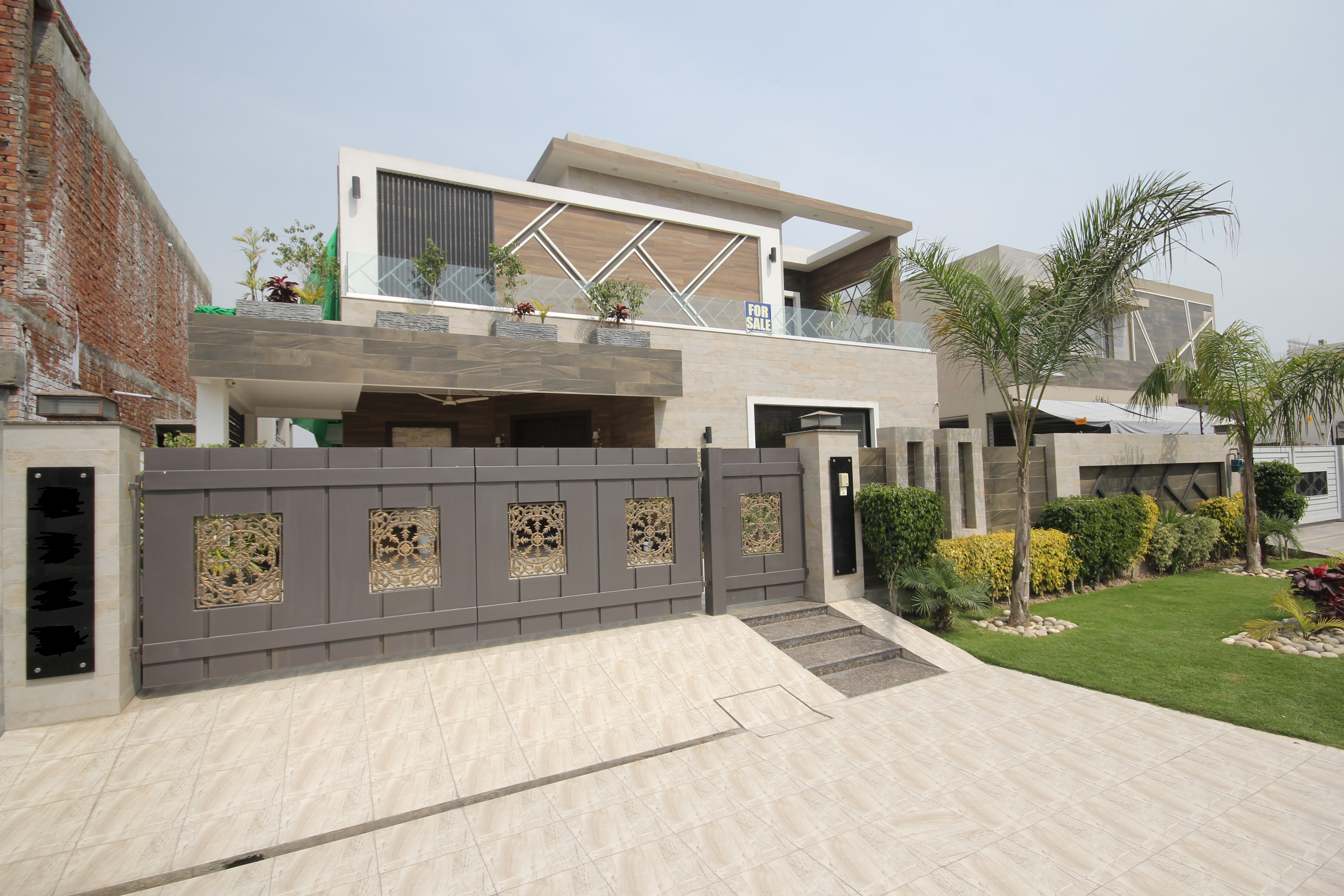 10 Marla Brand New Luxury House