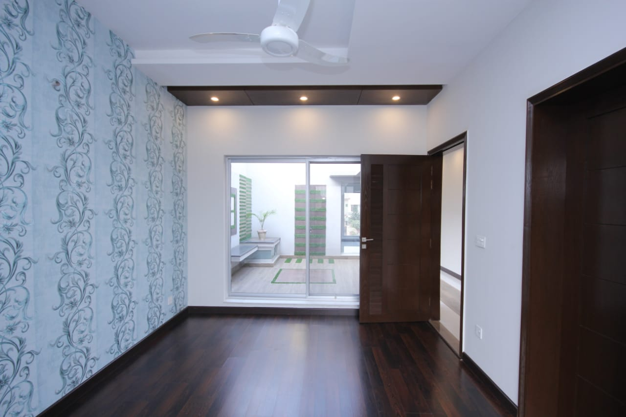 10 MARLA FULL HOUSE FOR RENT IN DHA PHASE 7