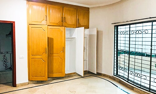 1 KANAL UPPER PORTION  FOR RENT IN DHA PHASE 6