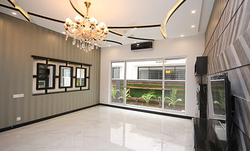 1 KANAL LOWER PORTION  FOR RENT IN DHA PHASE 8