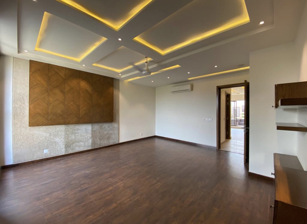 1 kanal Full House With Basement For Rent in DHA Phase 4